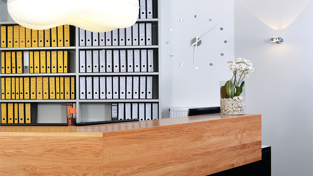 ib be theke empfang 3 li. Black Bedroom Furniture Sets. Home Design Ideas