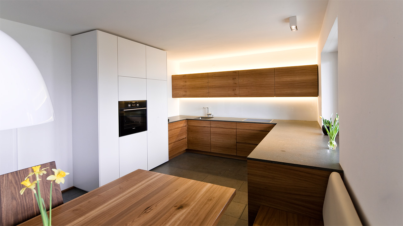 Schreinerk chen held schreinerei interior design for Lichtleiste deckenbeleuchtung