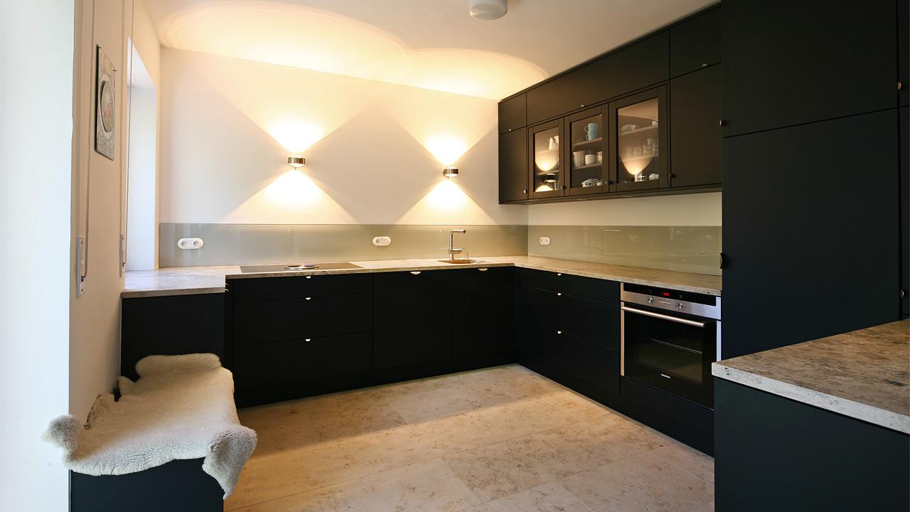 schreinerkueche 18 2. Black Bedroom Furniture Sets. Home Design Ideas
