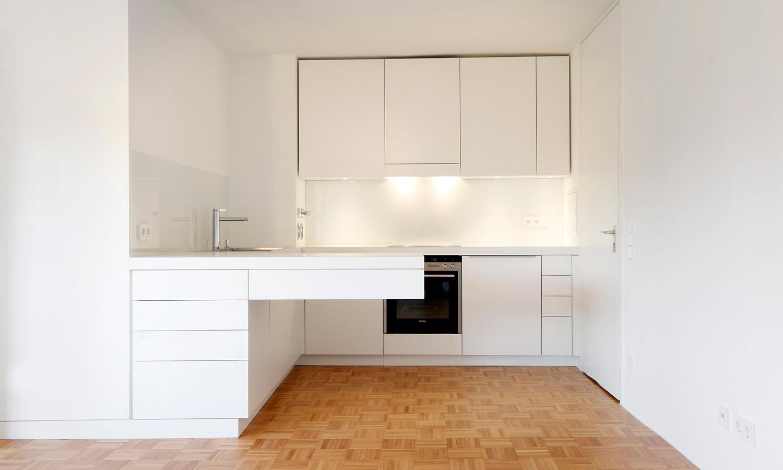 individuelle k che f r kleine eigentumswohnung. Black Bedroom Furniture Sets. Home Design Ideas