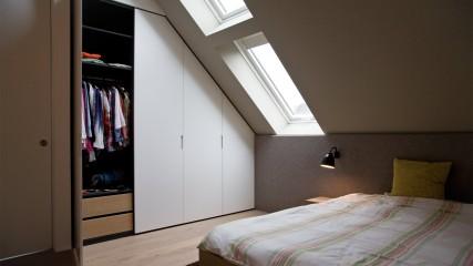 schlafzimmer_bett_9 Filzkopfteil mit Massivbett_Held Schreinerei | Interior Design - Freising München